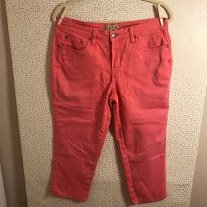 Earl Jean Pink Cropped Capri Denim Jean Pants